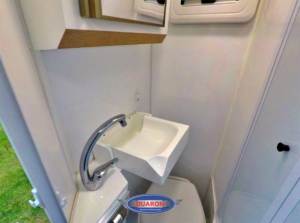 camper-duaron-super-king-interno-14