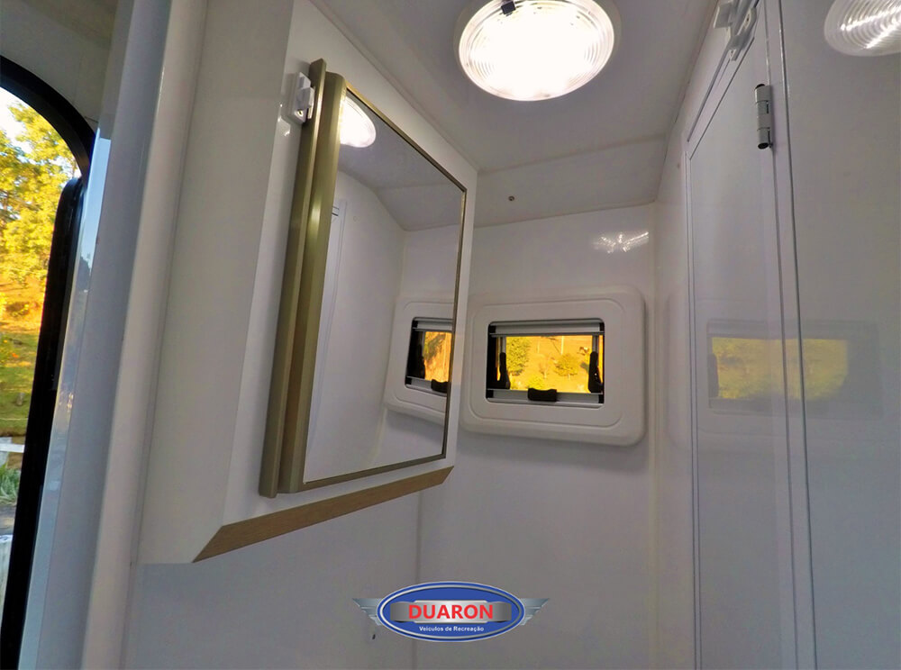 camper-duaron-super-king-interno-15