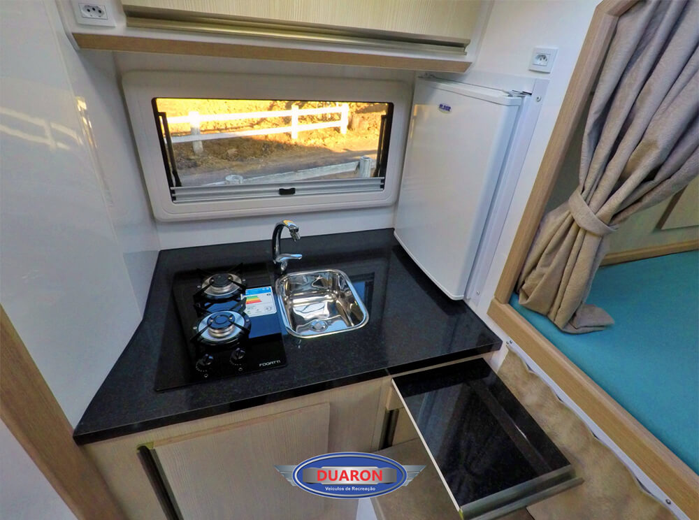 camper-duaron-super-king-interno-5